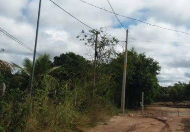 Vereador Adinilson solicitou e a Coelba fez a extensão de rede elétrica na Rua 4 da Fazenda Paixão